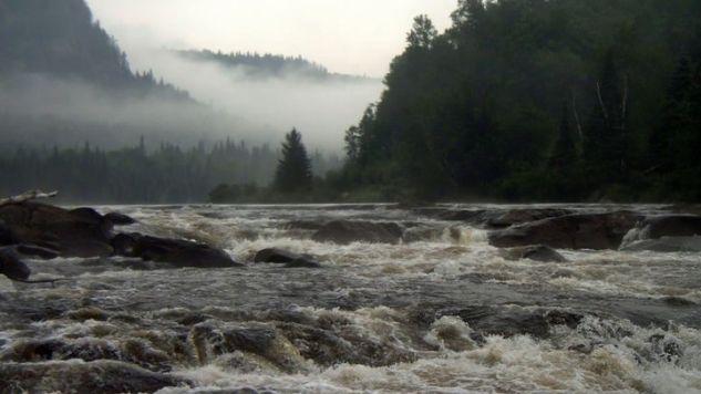 Les rapides d'une rivière